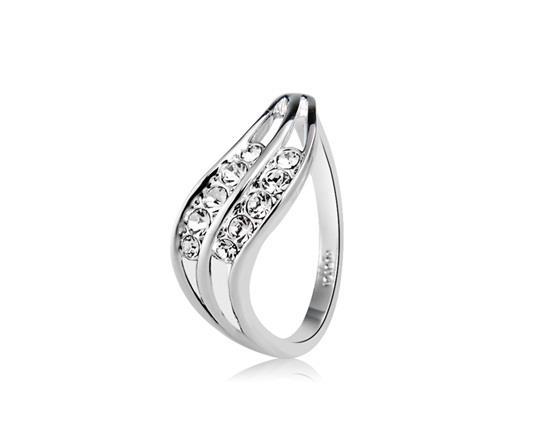 Жесткое простое кристаллическое украшенное линейное кольцо