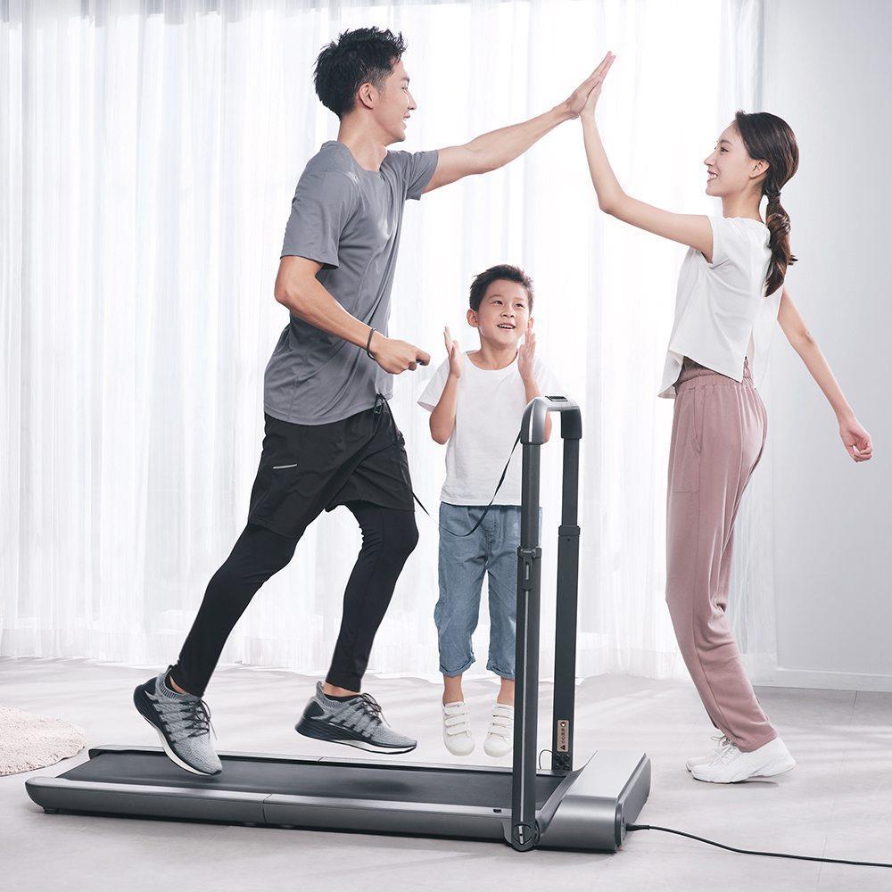 WalkingPad R1 Pro Беговая дорожка 2 в 1 Умная складная машина для ходьбы и бега APP Foot Step Speed Control На открытом воздухе Крытый фитнес-зал Альтернативная версия ЕС от Xiaomi Ecosystem - Silver